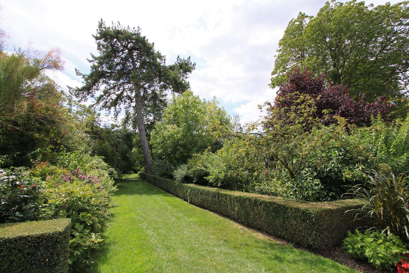 Jardin du roi for Jardin remarquable ile de france